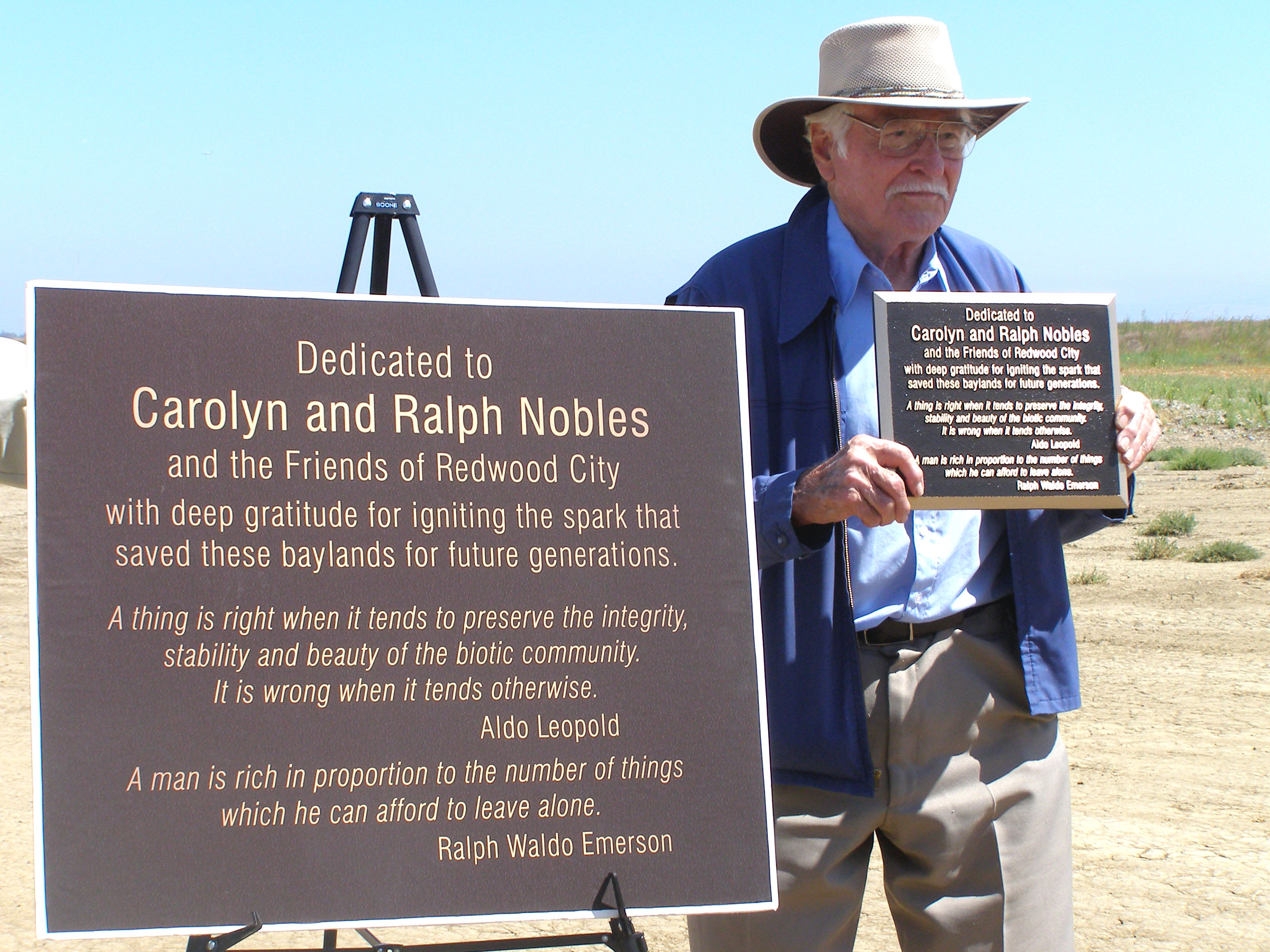 Dedication to Carolyn and Ralph Nobles Carin